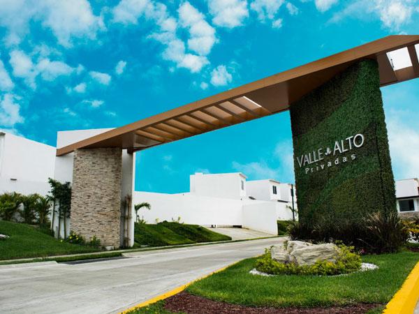 Entrada a privada Valle Alto en Tuxpan, Ver.
