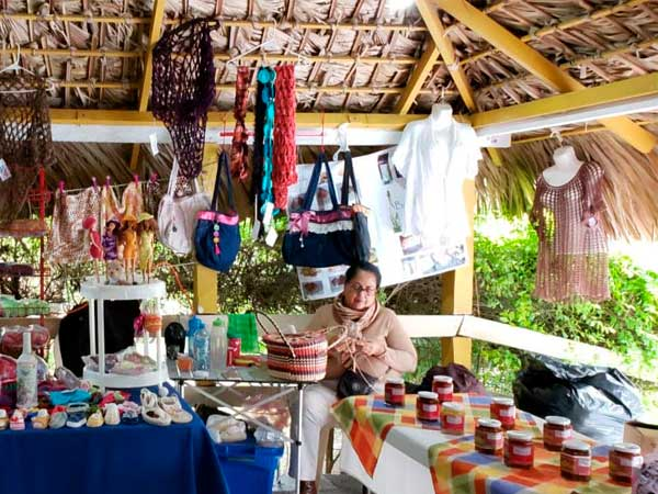 Artesanías Huastecas en la Quinta la Esperanza en Tuxpan, Veracruz