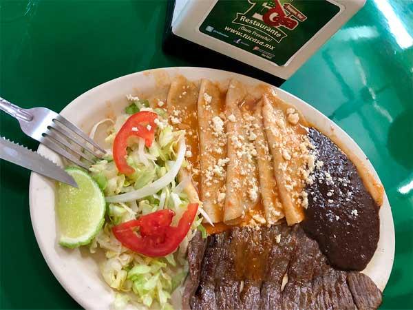 Cecina con enchiladas del Restaurante Tu Casa en Tuxpan, Ver.