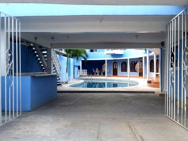 Entrada del hotel Coty Gil en Tuxpan, Veracruz