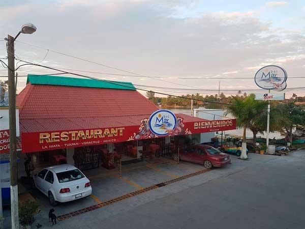 Entrada del restaurante del Mar en la Mata de Tampamachoco en Tuxpan