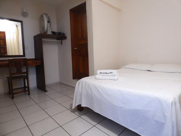 Habitaciones del hotel Real del Monte en Tuxpan, Ver.