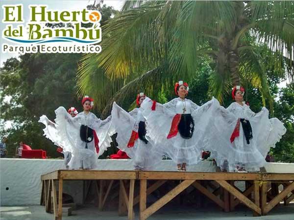 Tradiciones, danzas folklóricas en el Huerto del Bambú en Tuxpan