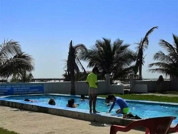 Alberca y Playa del Hotel Paraíso Real en la Playa de Tuxpan, Veracruz