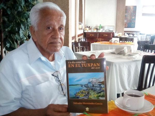 Libro de Tuxpan de Salvador Hernández